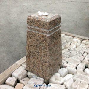 Столбы из натурального камня (гранит)